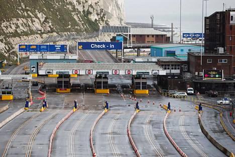 Doverin satamassa Etelä-Englannissa oli tiistaina hiljaista.