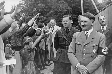 Adolf Hitler ja Hitler-jugendin johtaja Baldur von Schirach kuvattuna noin vuonna 1935.