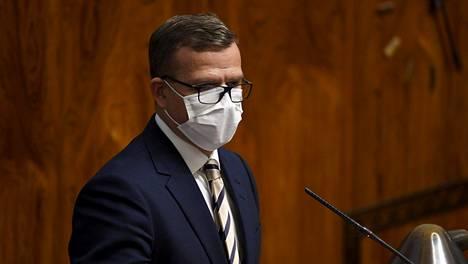 Kokoomuksen puheenjohtaja Petteri Orpo puhui keskiviikkona eduskunnan välikysymyskeskustelussa.