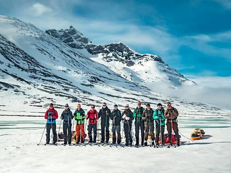 Retkikunta kävi valmistavalla leirillä Sarekissa Pohjois-Ruotsissa. Retkikunnan valmistautumista ja huhtikuun alussa alkavaa matkaa voi seurata nettisivujen ja sosiaalisen median kautta.