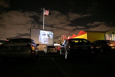Monissa drive-in-teattereissa Yhdysvalloissa esitetään uutuuksien sijaan klassikkoelokuvia.