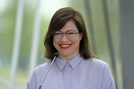 Vihreiden apulaispormestari Anni Sinnemäki on HS:n kannatusmittauksessa suosituin ehdokas pormestariksi.