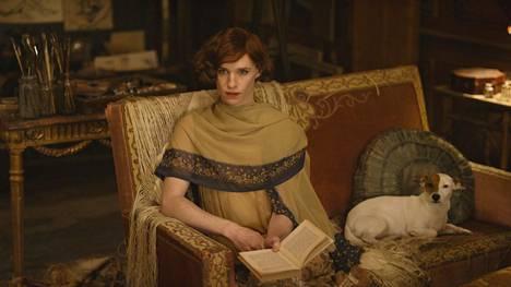 Vuonna 2015 julkaistu The Danish Girl on 1920-luvun Kööpenhaminaan sijoittuva elämäkerrallinen draamaelokuva, joka kertoo transnaisesta nimeltä Lili Elbe.