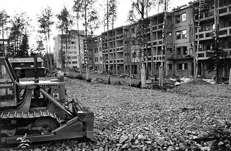 Rakennuskustannuksiltaan liian kalliiksi ovat osoittautuneet Lounaisrannikon talot, joista ensimmäiset ovat nyt nousseet harjaan.