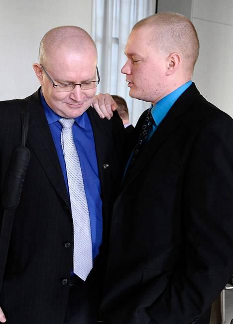 Jari Lindström (vas.) ja Samuli Virtanen.