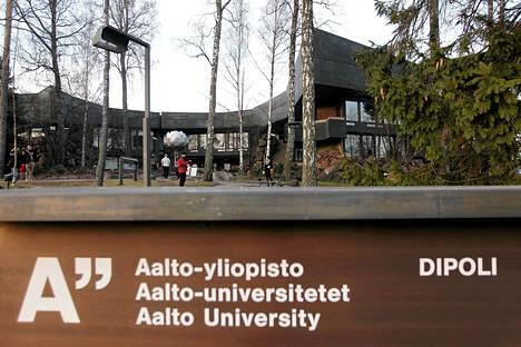 Aalto-yliopiston Dipoli Otaniemessä.