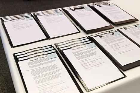 JAU:n, JUKO:n, KT:n ja SOTE:n edustajat allekirjoittivat kunta-alan virka- ja työehtosopimuksen Kuntatalossa Helsingissä 17. kesäkuuta 2020.