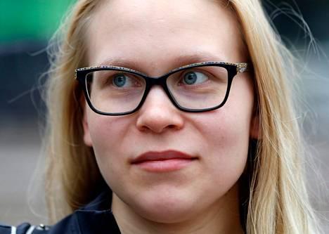 """Milla Noutere, lähihoitaja: """"Kaupunki on sopivan kokoinen. Olen syntynyt Tapiolassa, mutta asuin välillä Vihdissä. Ainoa etu kuntaliitoksesta voisi olla seutulipun halpeneminen."""""""