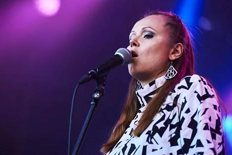 M-yhtyettä johtaa laulaja-lauluntekijä Minja Koski.
