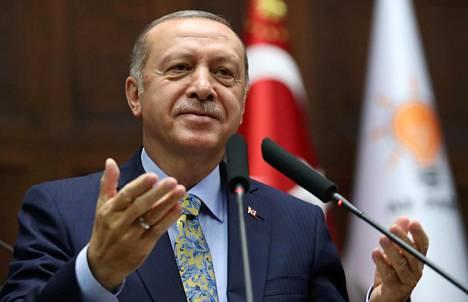 Turkin presidentin Recep Tayyip Erdoganin mediapolitiikka sauditoimittaja Khashoggin tapauksen suhteen herättää kysymyksiä.