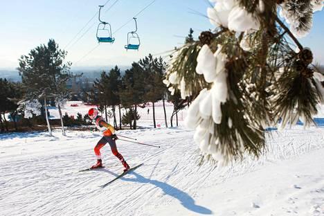 Honglian Meng voitti naisten karsintakilpailun Seefeldissä keskiviikkona. Kuva vuodelta 2017.