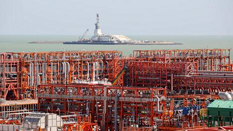 Kaspianmerta ympäröivät maat ovat päässeet sopuun sisämeren sekä sen kaasu- ja öljyesiintymien laillisesta asemasta. Kuvassa öljynjalostamo Kazakstanissa.