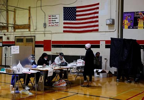 Pennsylvanian osavaltion suurimmassa kaupungissa Philadelphiassa äänestettiin koulun liikuntasalissa 3. marraskuuta.