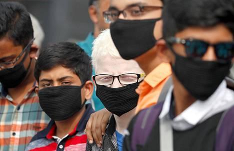 Delhin kaikki koulut on toistaiseksi suljettu savusumun takia.