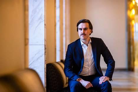 Sdp:n varapuheenjohtaja, kansanedustaja Matias Mäkynen eduskunnan Valtiosalissa viikko ennen kevään istuntokauden alkua.