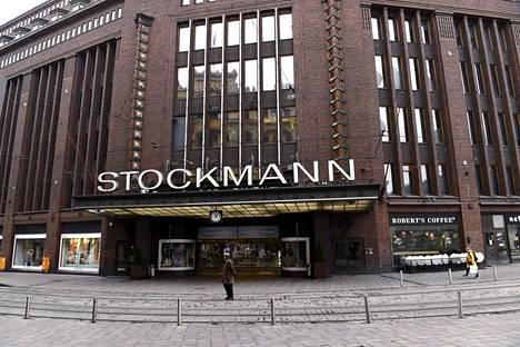 Stockmannin kampanja järkyttää jälleen somessa – ensin kohuttiin kangaskassien väreistä, nyt nimikyltistä