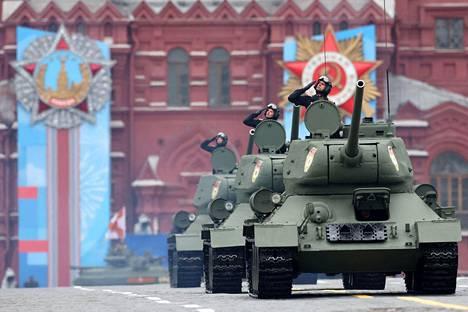 Voitonpäivän paraatissa Moskovassa nähtiin muun muassa panssarivaunuja.