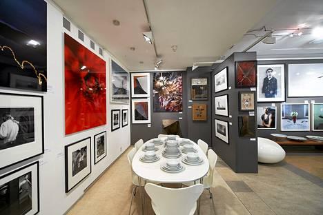 Bukowskin huutokaupan näyttelyhuone sijaitsee Iso Roobertinkadulla.
