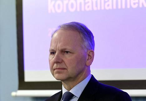Maa- ja metsätalousministeri Jari Leppä (kesk) kertoi testauskapasiteetin lisäämisestä perjantaina tiedotustilaisuudessa.