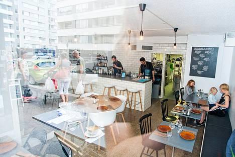 Ravintola Loung3n sisustus on miellyttävän minimalistinen.