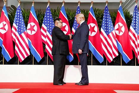 Kim Jong-un ja Donald Trump tapasivat ensimmäistä kertaa.