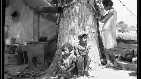 Orvoksi jääneitä maahanmuuttajalapsia kesäkuussa 1935.