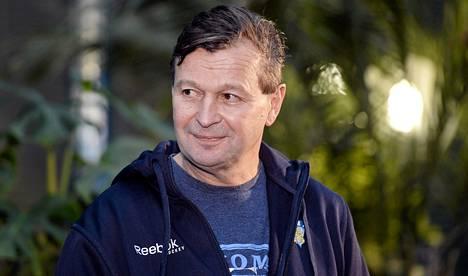 Harri Rindellin mukaan lukuisat jäähyt sotkivat Suomen peliä MM-avauksessa Latviaa vastaan.