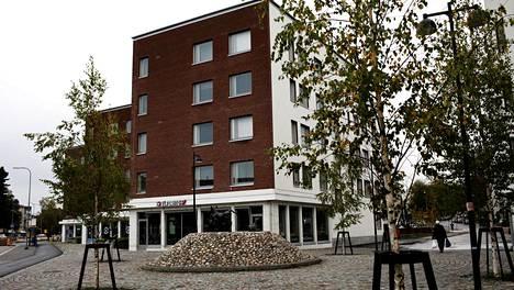 Tammiontie 1:n A-talo on ollut julkisuudessa katutason ravintolan rakentamiseen liittyvien vaikeuksien vuoksi.