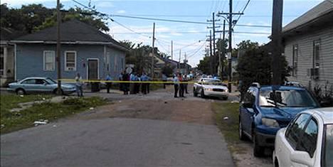 Poliisi eristi ammuskelupaikan New Orleansissa Yhdysvalloissa.