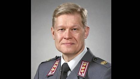 Puolustusvoimien koulutuspäällikkö prikaatinkenraali Jukka Sonninen.