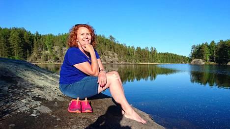 Saksalainen Petra Thar on mökkeillyt Suomessa monena kesänä, ja haluaisi tänäkin kesänä Suomeen.