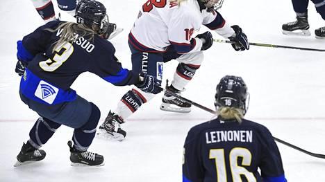 Kiekko-Espoo nousi naisten liigan kärkeen. Kuva HIFK-ottelusta 31. lokakuuta.