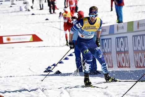 Joni Mäki ankkuroi Suomen sprinttiviestin MM-hopealle.