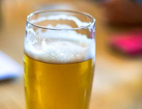 HS-testissä arvioitiin Alkon valikoiman perinteisiä pils-oluita.