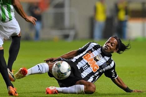 Ronaldinho pelaa nykyään Brasilian sarjan Atletico Mineirosissa.