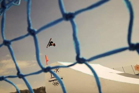 Kandalainen lumilautailija Laurie Blouin sai hopeamitalin naisten slopestylessä.