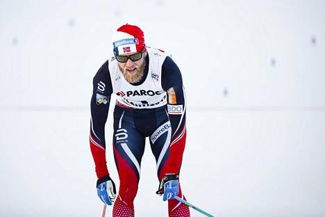 Martin Johnsrud Sundby hävisi selvästi Iivo Niskaselle.
