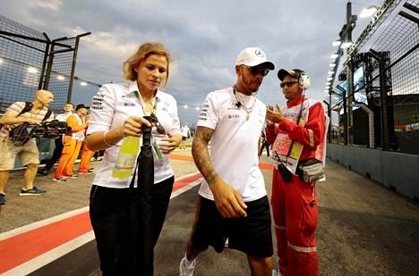 Mercedes-kuski Lewis Hamilton ennen Singaporen GP-kilpailua.