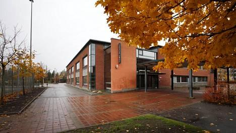 Tiistilän koulu kuvattuna vuonna 2012.