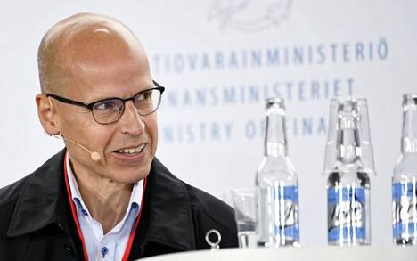 Martti Hetemäen teksti sai kannatusta erityisesti kokoomusvaikuttajilta.