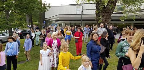 Yleisö ohjattiin palohälytyksen takia ulos Helsingin Kaupunginteatterista kesken Pieni merenneito -musikaalin ennakkonäytöksen 27. elokuuta 2019.