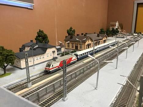 Kun Lauri Laineen pienoisrautatie on valmis, tarkoituksena on tuoda se näytille muun muassa Hyvinkäällä sijaitsevaan Suomen rautatiemuseoon.