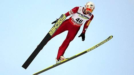 Kamil Stoch otti suurmäen MM-kullan.