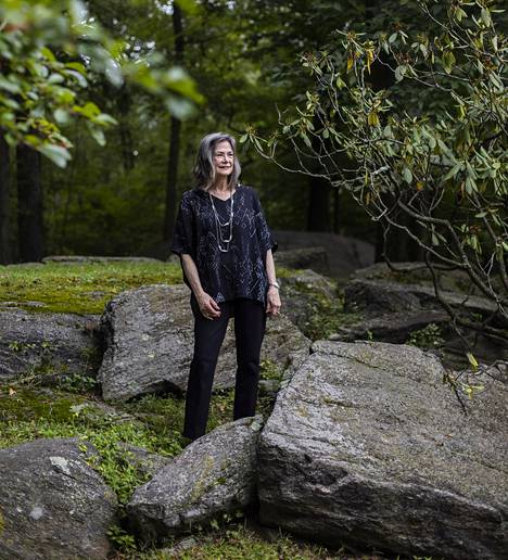 Luonnosta ja ihmisyydestä kertova Delia Owensin Suon villi laulu kohosi Yhdysvalloissa myynti- ja arvostelumenestykseksi.