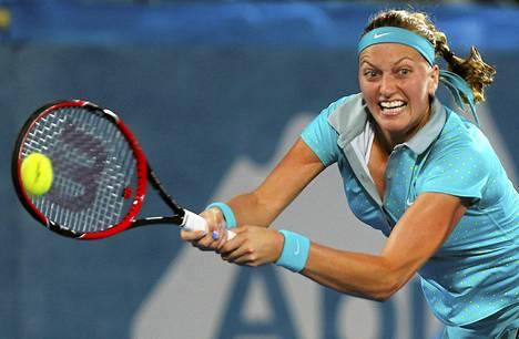 Petra Kvitovan vahvuus on kahden käden rystylyönti.
