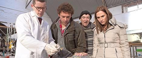 Russell Tovey, Richard Coyle, Lalor Roddy ja Ruth Bradley näyttelevät kauhukomediassa.