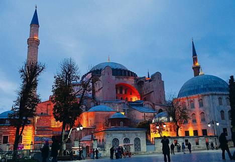 Monet turkkilaiset uskovat, että puheet Hagia Sofian muuttamisesta moskeijaksi ovat hallituksen uusi yritys tehdä politiikkaa uskonnon avulla.