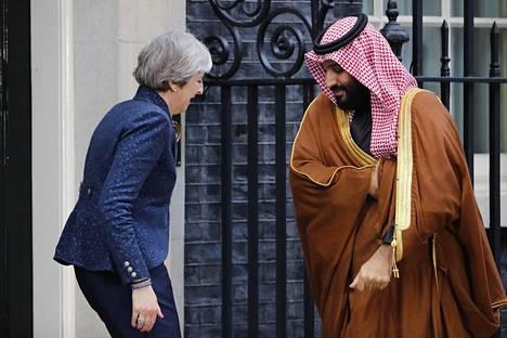 Britannian pääministeri Theresa May tapasi Saudi-Arabian kruununprinssin Mohammed bin Salmanin Lontoossa keskiviikkona.