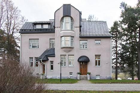 Paviljonki 1 eli Relanderin talo kunnostettiin asunnoiksi vuonna 2019. Lauri Kristian Relander asui rakennuksen toisessa kerroksessa vuosina 1908–1917.