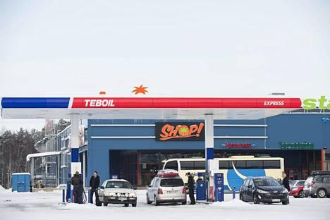 Teboil ostaa uusiutuvaa dieseliä Nesteeltä. Ammattiliikenteelle sitä myydään kauppanimellä Teboil Green+.